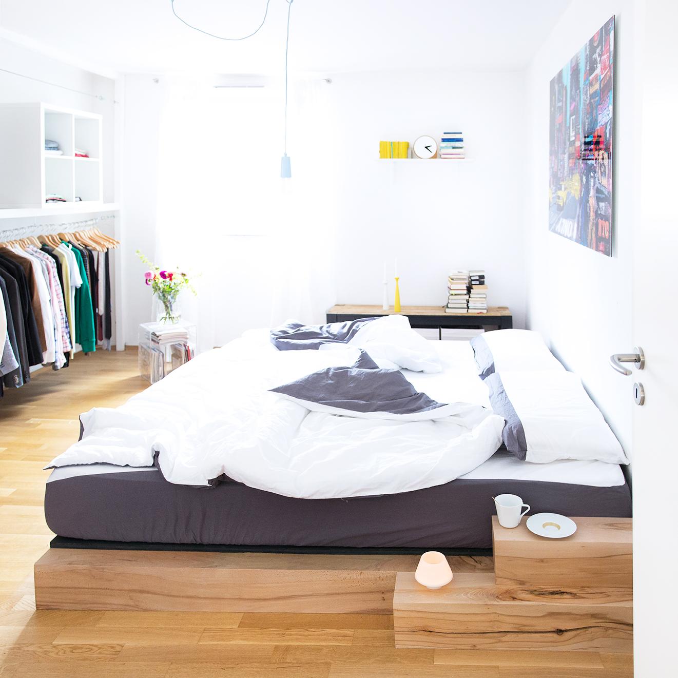 Relativ DIY Bett: Anleitung zum selber bauen eines Massiv-Holz-Bettes GW99